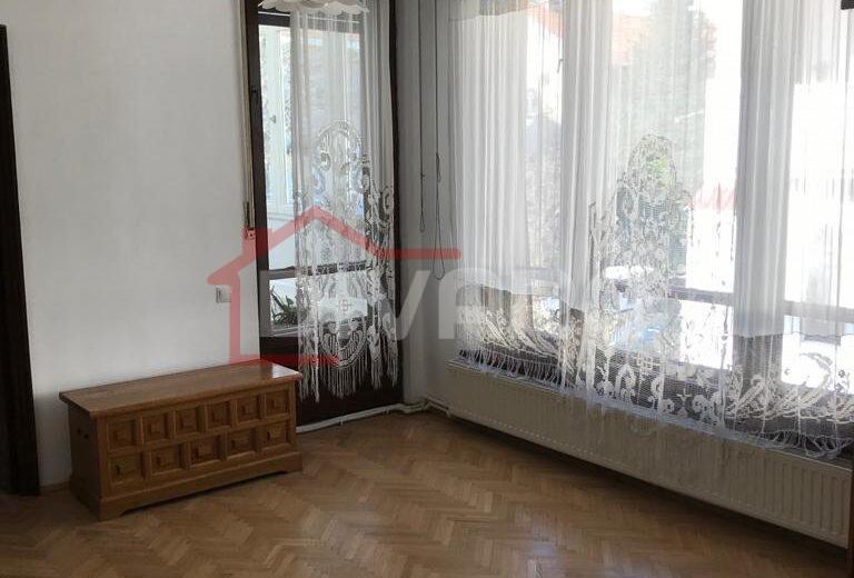 Inchiriere apartament trei camere 110mp curte generoasa Floreasca