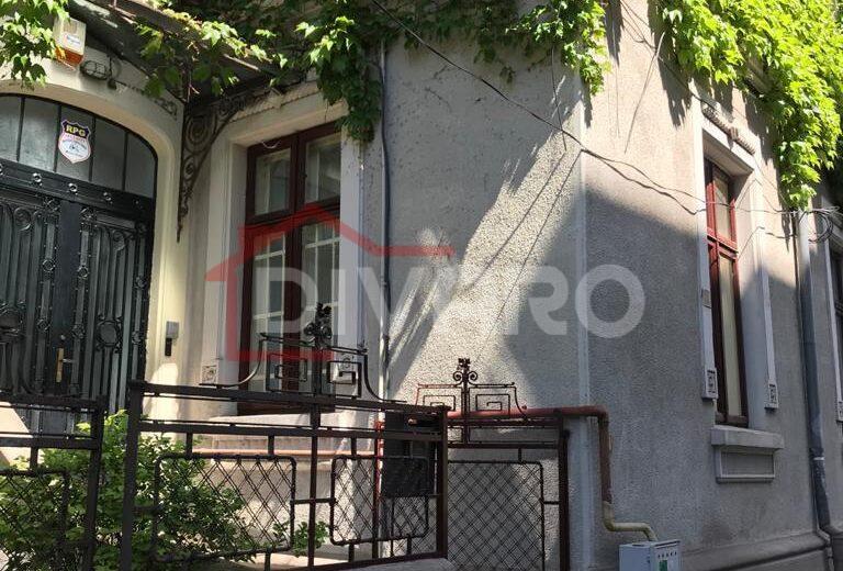 Inchiriere apartament patru camere 102mp ideal birouri Armeneasca