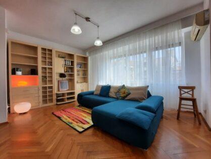 Vanzare apartament trei camere garaj boxe Cotroceni Medicina