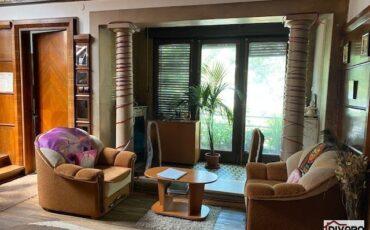 Vanzare apartament trei camere terasa vila interbelica Cotroceni